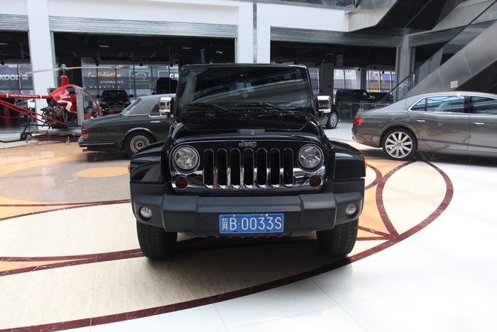 2010年jeep 牧马人二门版